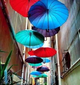 Parapluies de couleur