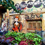 marché exarcheia graffiti femme