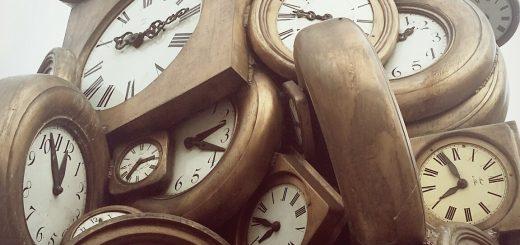 sculpture horloges